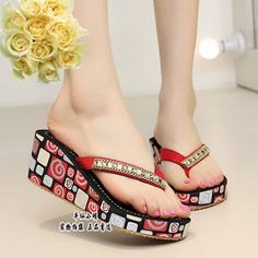 red and black printed flip-flop in Asian style with mini shift dress