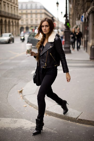 Leather jacket with faux fur collar and black skinny jeans