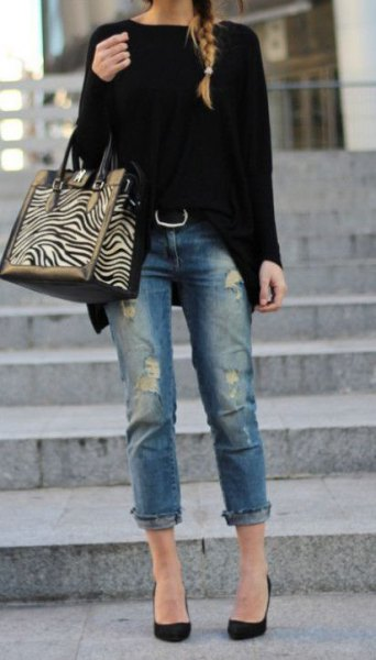 black, chunky sweater with cuff jeans and ballerinas