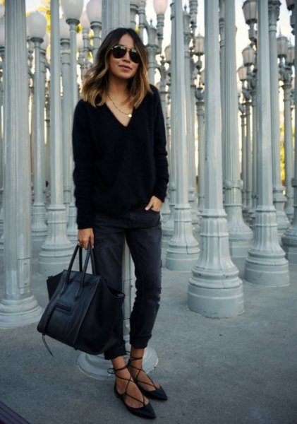 V-neck sweater and black boyfriend jeans