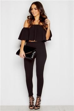 Cut off black from the shoulder blouse with skinny jeans