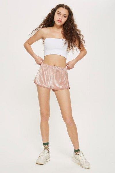 white, short tube top with mini shorts made of pink velvet