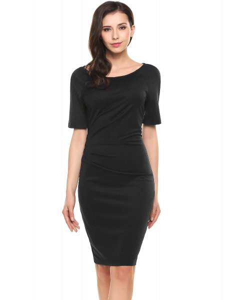 black knee-length cotton dress with heels