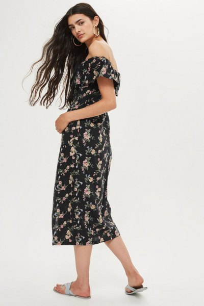 Midi-Bardot dress with floral pattern in black and white