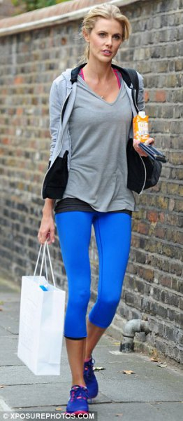 gray t-shirt with v-neck, hood and blue leggings