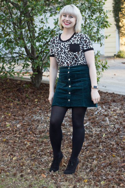 T-shirt with leopard print and mini skirt on the front
