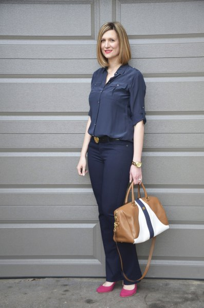 Dark blue shirt with buttons and slim jeans