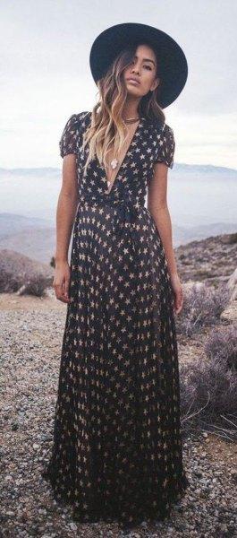 Black and blushing maxi short-sleeved dress with V-neck and V-neck