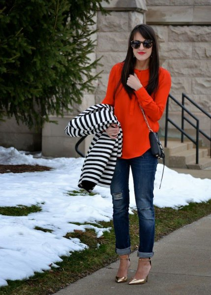 Loose-fitting blouse with striped jacket and cuffs