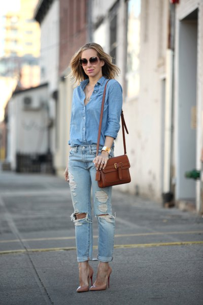 blue shirt with buttons and ribbed jeans with cuffs and a slim fit