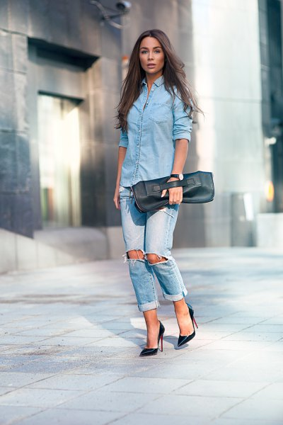 light blue blouse with buttons and boyfriend jeans with cuff