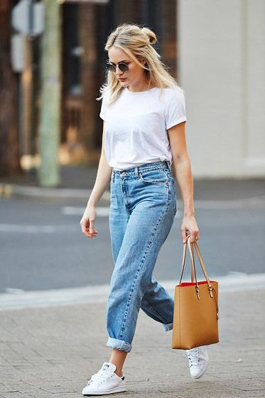 white cut t-shirt with blue high waisted boyfriend jeans with cuff