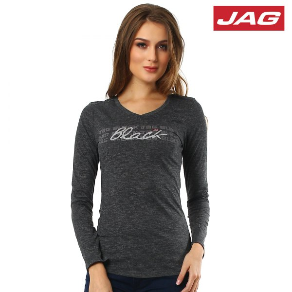 gray form fitting long sleeve tee with black jeans