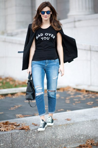 black cool graphic tee with blazer and boyfriends