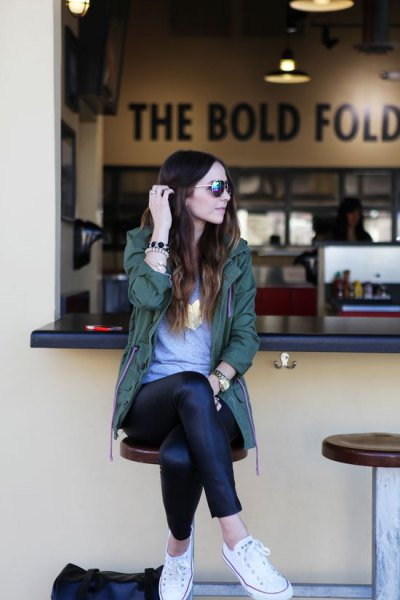 gray tunic tee and black leather leggings