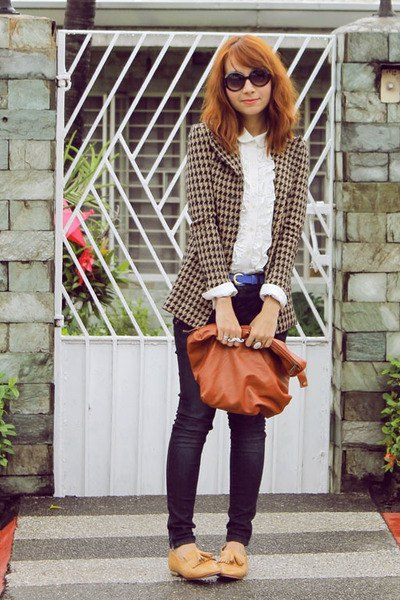 checkered blazer with white lace blouse