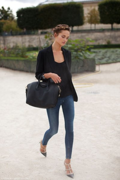 black blazer with skinny gray blue jeans and pointed toe heels