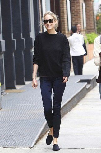 black casual fit knit sweater with navy blue skinny jeans and suede