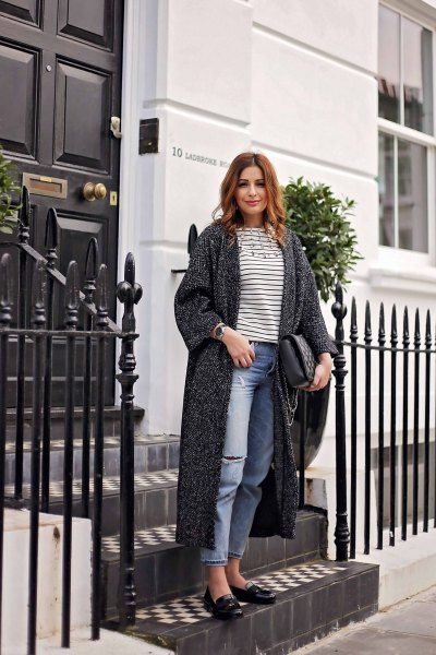 gray long-line blazer with boyfriend jeans and black leather pan bowls
