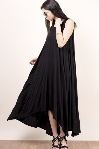 black scoop neck maxi extended dress