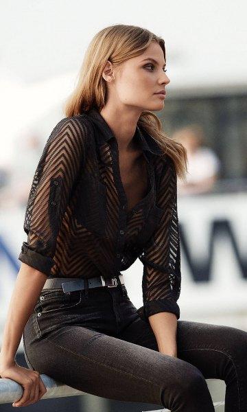 black zigzag patterned half shirt with dark gray slim fit jeans