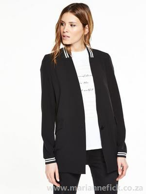 black casual blazer with white casual fit tee