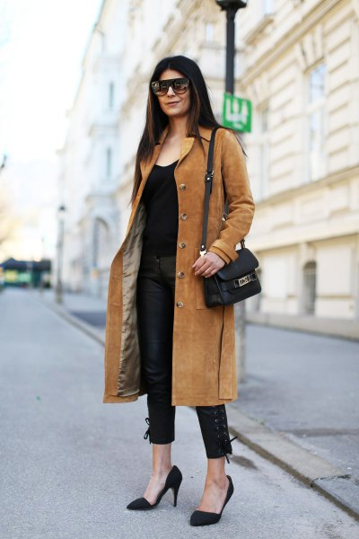camel midi length suede rock with all black outfit