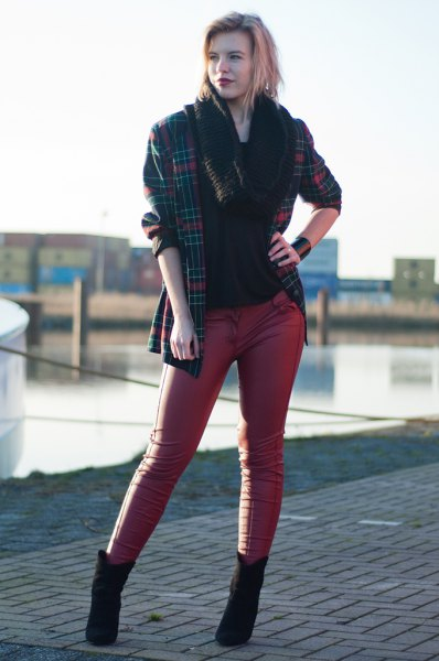 checkered oversized blazer with black top and skinny leather pants