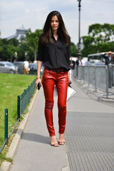 black button up shirt with red skinny pants