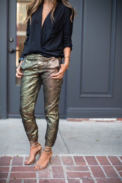 black v-neck blouse with sequin in gold slim fit fit