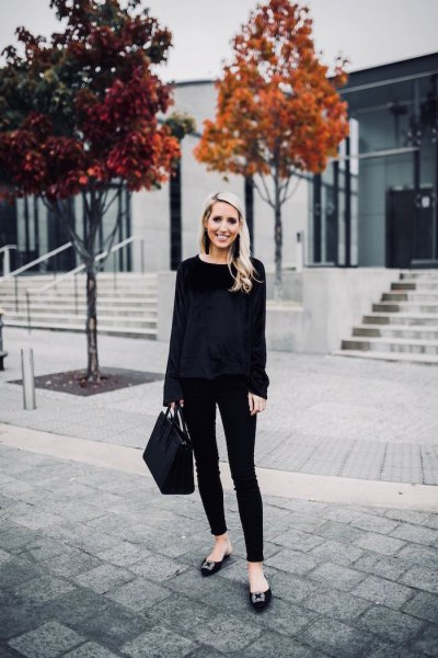 black sweater with skinny jeans and ribbon flats