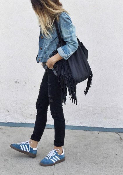 blue jacket with black skinny jeans with denim low top casual shoes