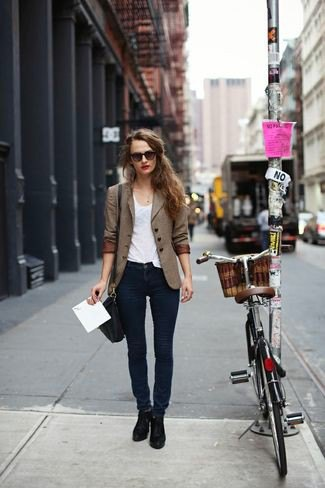 brown double breasted blazer with dark blue skinny jeans