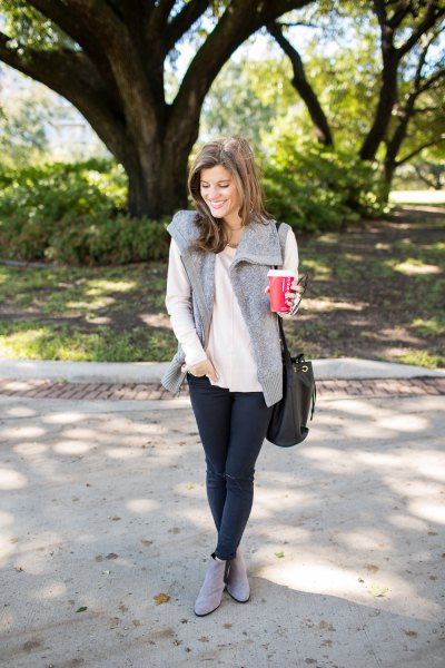 white casual fit thin sweater with gray faux fur vest