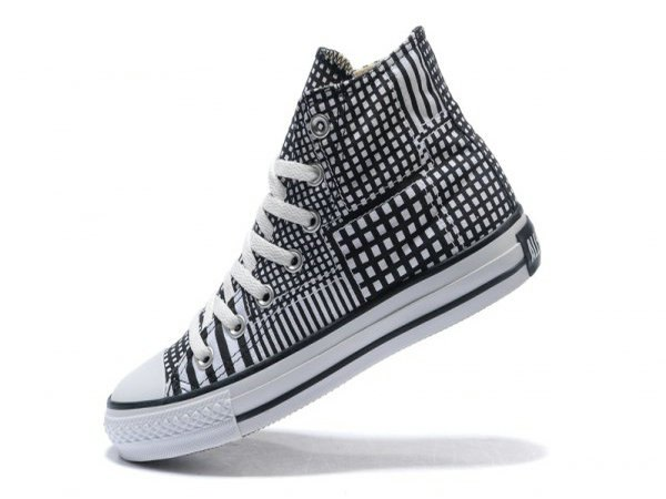 black and white checkered high top cloth shoes