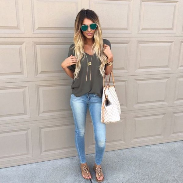 gray v-neck chiffon blouse with skinny ankle and nude sandals