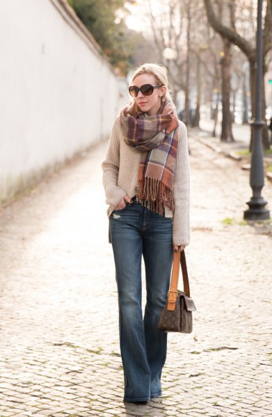 light gray ribbed sweater with gray blue shoe shirt jeans