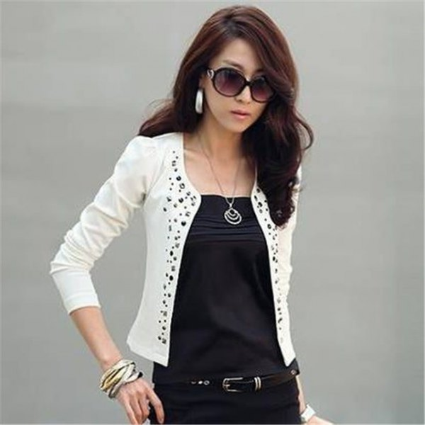 white floral pattern cutout blazer with black outfit
