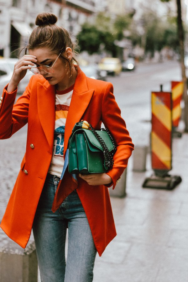 Best orange oversized double breasted blazer with printed tee and gray jeans