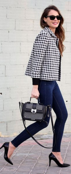 black and white checkered blazer with skinny jeans and heels