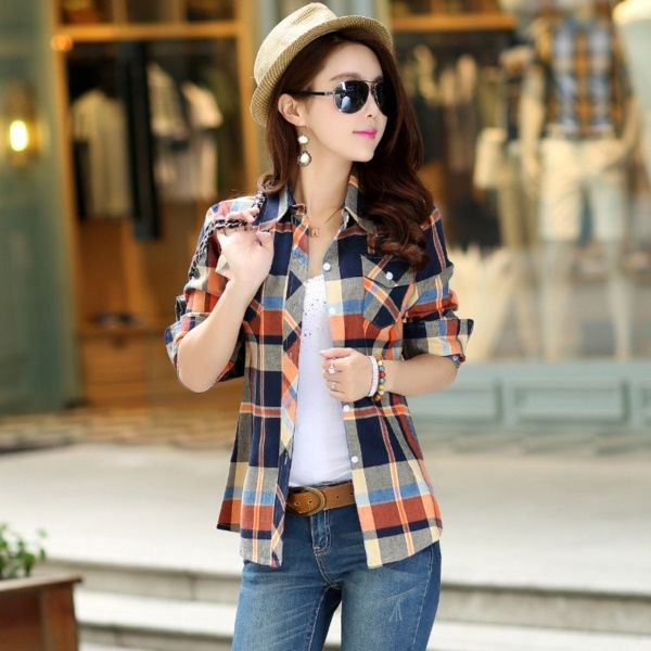 wear checkered half-heated boyfriend flannel shirt as jacket