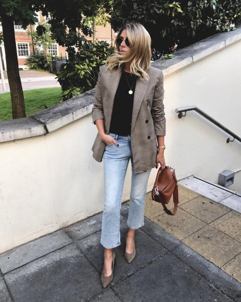 tweed blazer with light blue slightly extended cropped jeans
