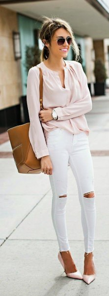 blush v-neck blouse with white ripped jeans and heels