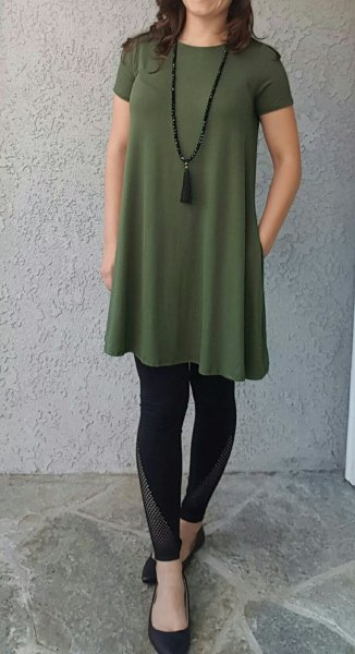 green short sleeve tunic top with black leggings