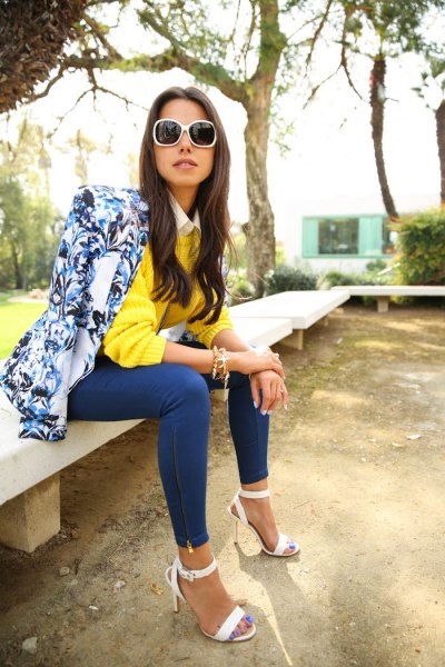 blue print blazer with lemon yellow sweater and skinny jeans
