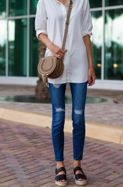 white button up long shirt with blue skinny ankle and sandals