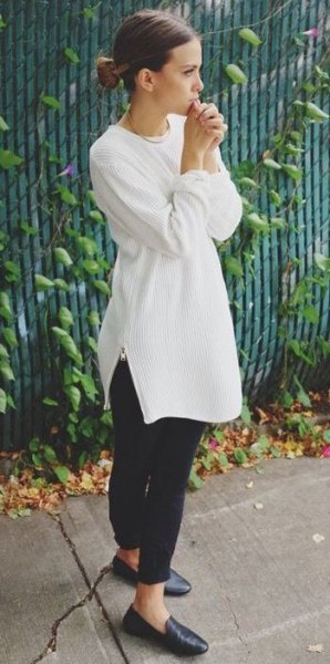 white ribbed sweater with crew neck dress with black leather boards