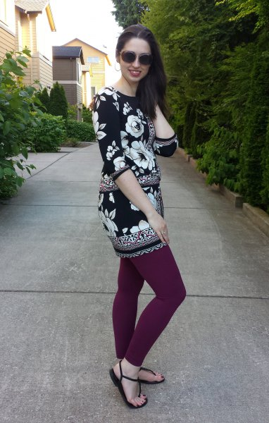black and white floral printed tunic with gray leggings