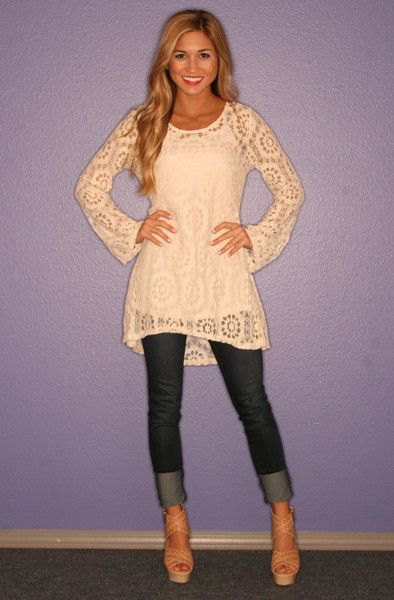 light yellow dress sleeved tunic with top in cuffed skinny jeans