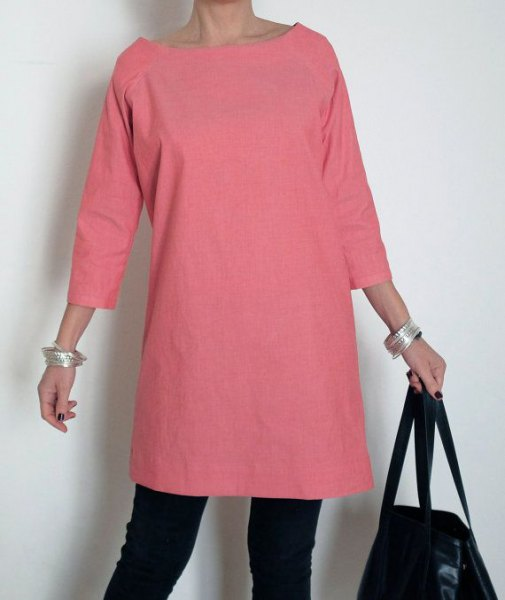 pink tricot sleeve cotton tunic with black skinny jeans